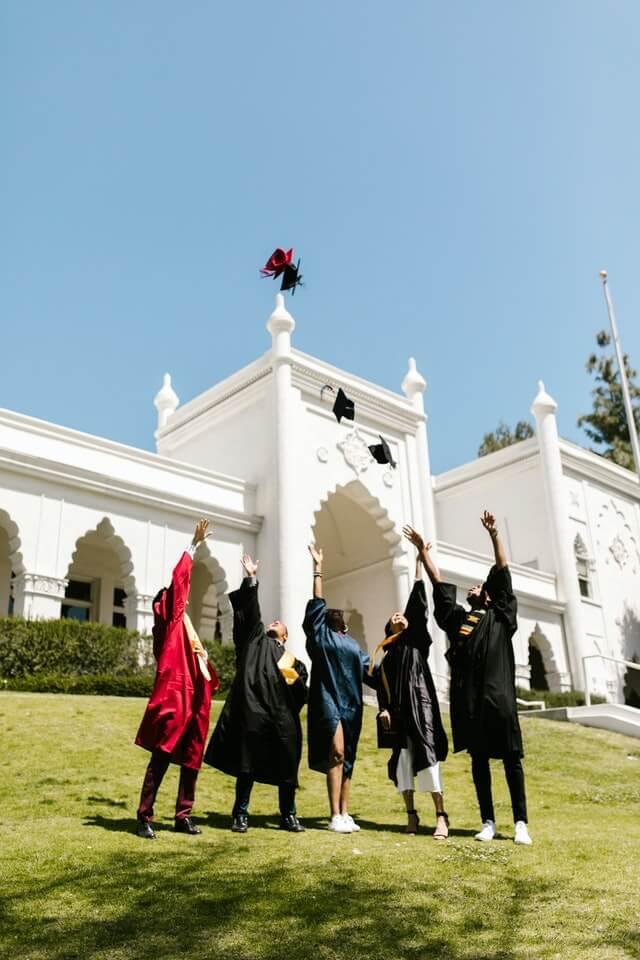 Students on Gradulation Day